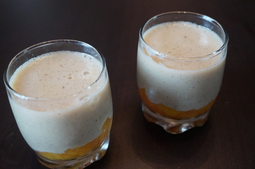 Verrine de crème vanillé sur lit denectarine